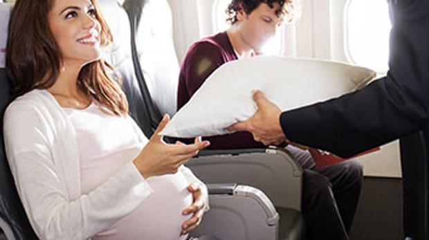 Consejos para viajar en avión si estás embarazada